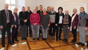 Die Teilnehmer der Einführungsveranstaltung haben sich zu einem Gruppenfoto zusammengestellt.